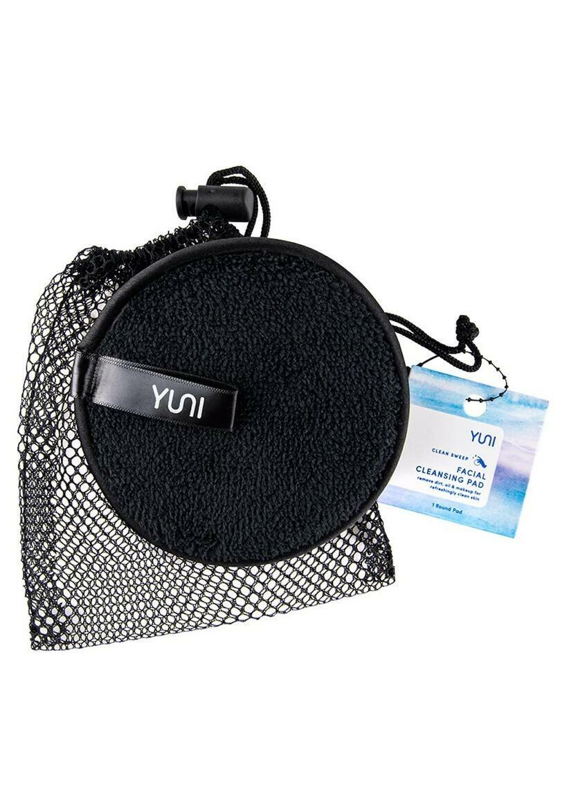 CLEAN SWEEP Cleansing Facial Pad   Trada Marketplace