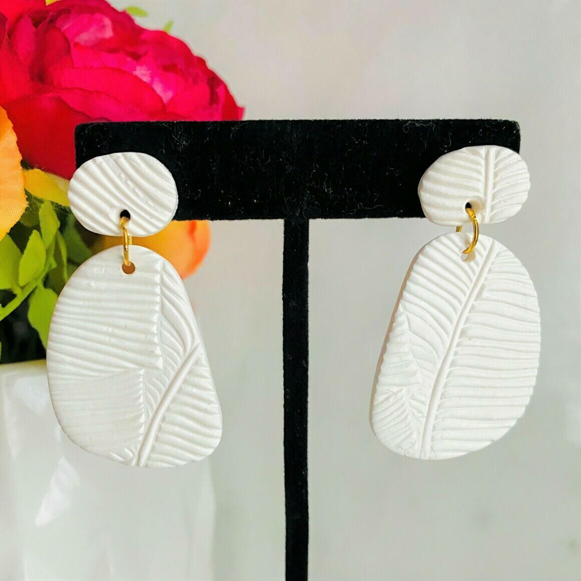 Sunny Dais - White | Trada Marketplace