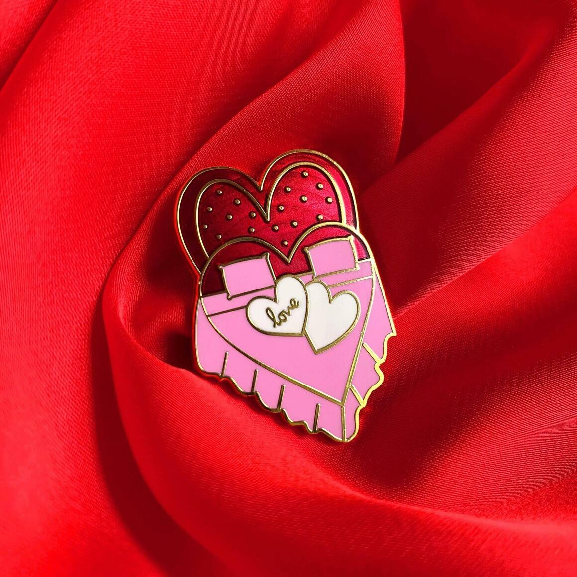 Heart Shaped Bed Pin   Trada Marketplace