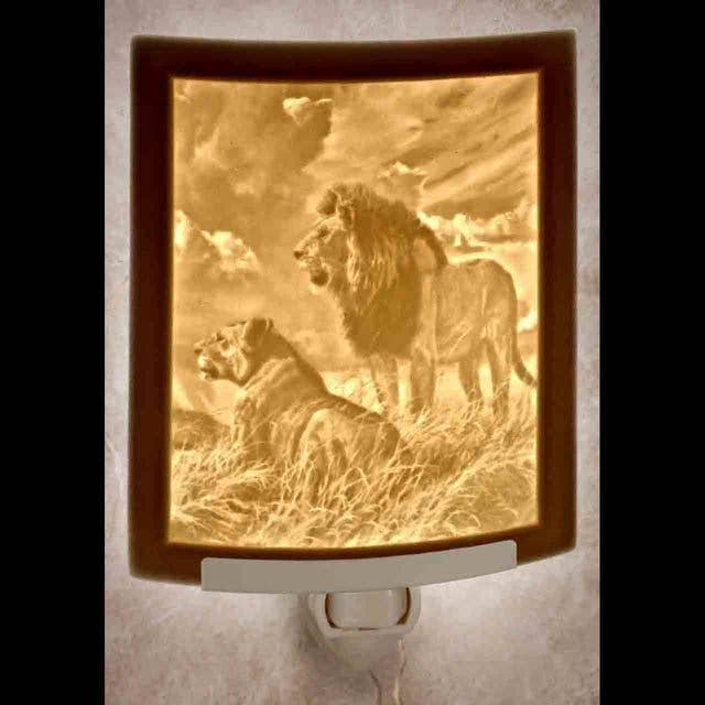 Lions Curved Night Light   Trada Marketplace