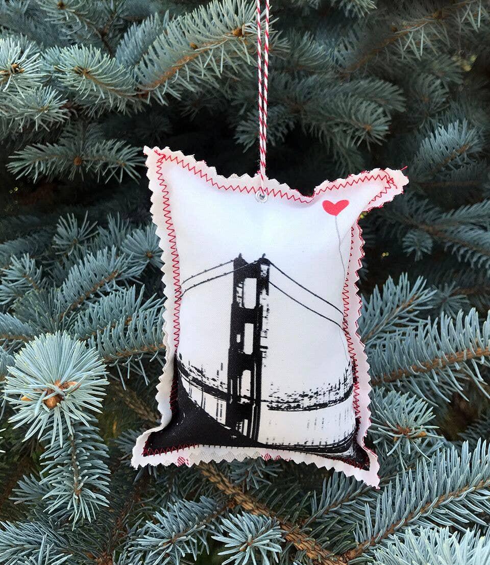 San Francisco Vertical Golden Gate Fabric Ornament | Trada Marketplace